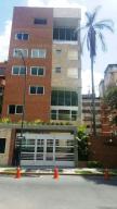 Apartamento En Venta En Caracas, Campo Alegre, Venezuela, VE RAH: 16-16038