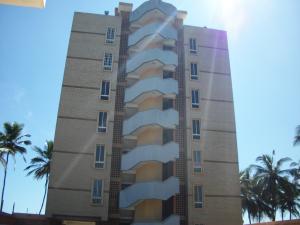 Apartamento En Venta En Tucacas, Tucacas, Venezuela, VE RAH: 16-16050