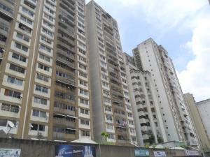Apartamento En Venta En Caracas, Parroquia La Candelaria, Venezuela, VE RAH: 16-16058