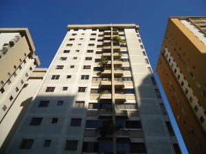 Apartamento En Venta En Caracas, Palo Verde, Venezuela, VE RAH: 16-16173