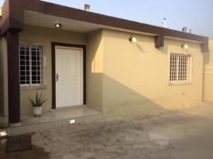 Casa En Venta En Punto Fijo, Puerta Maraven, Venezuela, VE RAH: 16-16104