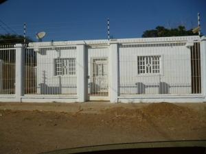 Casa En Venta En Punto Fijo, Casacoima, Venezuela, VE RAH: 16-16127
