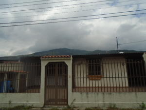 Casa En Venta En Municipio Naguanagua, El Naranjal, Venezuela, VE RAH: 16-16225