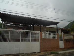 Casa En Venta En Municipio San Diego, Altos De La Esmeralda, Venezuela, VE RAH: 16-16273