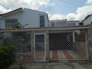 Casa En Venta En Municipio San Diego, La Esmeralda, Venezuela, VE RAH: 16-16429