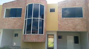 Townhouse En Venta En Municipio San Diego, Sabana Del Medio, Venezuela, VE RAH: 16-16155
