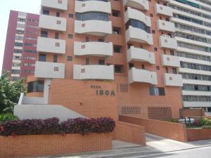Apartamento En Venta En Valencia, San Jose De Tarbes, Venezuela, VE RAH: 16-16160