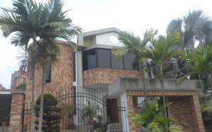 Casa En Ventaen Valencia, El Bosque, Venezuela, VE RAH: 16-16163