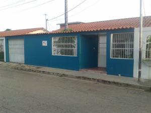 Casa En Venta En Turmero, El Macaro, Venezuela, VE RAH: 16-16169