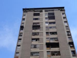 Apartamento En Venta En Caracas, Parroquia La Candelaria, Venezuela, VE RAH: 16-16170