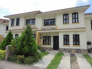 Townhouse En Venta En Municipio Naguanagua, Maã±Ongo, Venezuela, VE RAH: 16-16191
