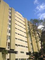 Apartamento En Venta En Caracas, Santa Ines, Venezuela, VE RAH: 16-16197