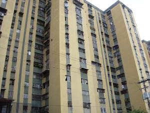 Apartamento En Ventaen Caracas, Caricuao, Venezuela, VE RAH: 16-16206