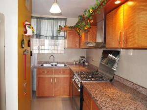Apartamento En Venta En Maracaibo, Tierra Negra, Venezuela, VE RAH: 16-5865