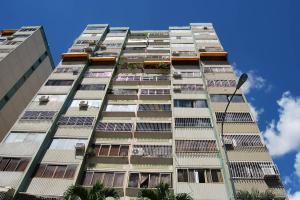 Apartamento En Venta En Municipio Naguanagua, La Granja, Venezuela, VE RAH: 16-16232