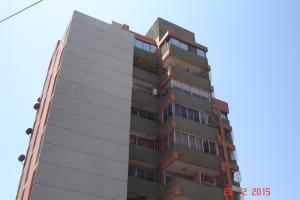 Apartamento En Venta En Maracaibo, Avenida Universidad, Venezuela, VE RAH: 16-16247