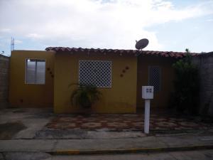 Casa En Venta En Santa Teresa, La Raiza, Venezuela, VE RAH: 16-16280