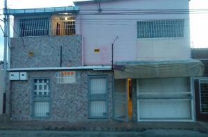 Casa En Venta En Maturin, Maturin, Venezuela, VE RAH: 16-16292
