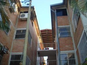 Apartamento En Venta En Guatire, Valle Arriba, Venezuela, VE RAH: 16-16394