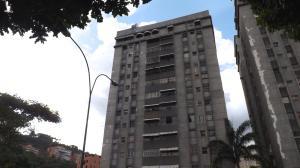 Apartamento En Venta En Caracas, Santa Fe Norte, Venezuela, VE RAH: 16-16304