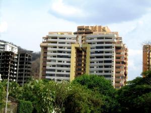 Apartamento En Venta En Valencia, Las Chimeneas, Venezuela, VE RAH: 16-16318