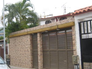 Casa En Venta En Valencia, El Bosque, Venezuela, VE RAH: 16-16344