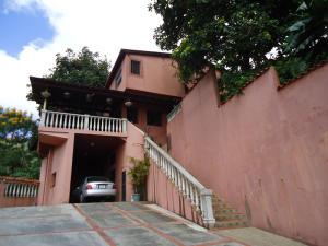 Casa En Venta En Caracas, Hoyo De La Puerta, Venezuela, VE RAH: 16-16327