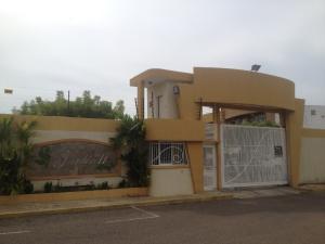 Townhouse En Venta En Maracaibo, La Picola, Venezuela, VE RAH: 16-16359
