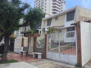 Casa En Venta En Valencia, La Trigaleña, Venezuela, VE RAH: 16-16328