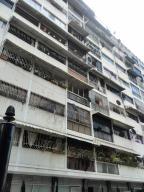 Apartamento En Venta En Caracas, San Bernardino, Venezuela, VE RAH: 16-16339