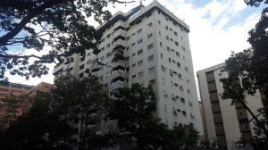 Apartamento En Venta En Caracas, El Rosal, Venezuela, VE RAH: 16-16372