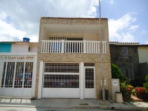 Casa En Venta En Charallave, Los Samanes, Venezuela, VE RAH: 16-16384
