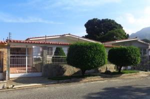 Casa En Venta En Valencia, Trigal Norte, Venezuela, VE RAH: 16-5672