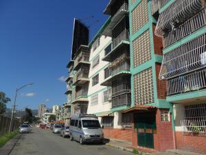 Apartamento En Venta En Caracas, El Valle, Venezuela, VE RAH: 16-16387