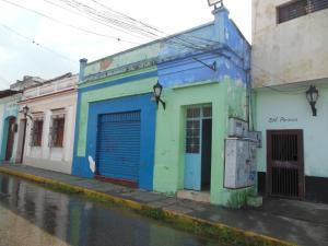 Casa En Venta En Los Teques, Municipio Guaicaipuro, Venezuela, VE RAH: 16-16396