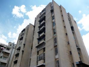 Apartamento En Venta En Caracas, Vista Alegre, Venezuela, VE RAH: 16-16988