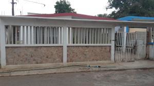 Casa En Venta En Maracaibo, Circunvalacion Dos, Venezuela, VE RAH: 16-16423