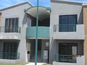 Apartamento En Venta En Municipio Los Guayos, Paraparal, Venezuela, VE RAH: 16-16492