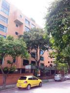 Apartamento En Venta En Caracas, Campo Alegre, Venezuela, VE RAH: 16-16433