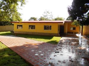 Casa En Venta En Maracay, El Limon, Venezuela, VE RAH: 16-16445