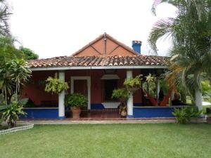 Terreno En Venta En Municipio Montalban, Aguirre, Venezuela, VE RAH: 16-16479