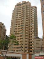 Apartamento En Venta En Valencia, Las Chimeneas, Venezuela, VE RAH: 16-16501