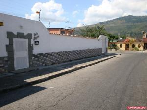 Casa En Venta En Municipio Naguanagua, El Cafetal, Venezuela, VE RAH: 16-16548