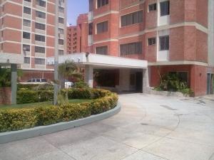 Apartamento En Venta En Maracaibo, La Lago, Venezuela, VE RAH: 16-16565
