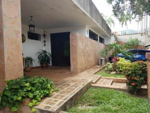 Casa En Venta En Valencia, Trigal Centro, Venezuela, VE RAH: 16-16927
