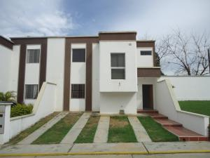Casa En Venta En Cabudare, Parroquia Cabudare, Venezuela, VE RAH: 16-16675