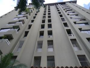 Apartamento En Venta En Caracas, El Rosal, Venezuela, VE RAH: 16-16834