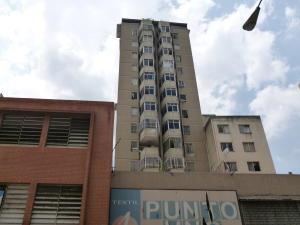 Apartamento En Venta En Caracas, Parroquia La Candelaria, Venezuela, VE RAH: 16-16710