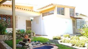 Casa En Venta En Valencia, Trigal Centro, Venezuela, VE RAH: 16-16726