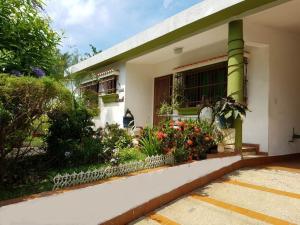 Casa En Venta En Valencia, Valles De Camoruco, Venezuela, VE RAH: 16-17072